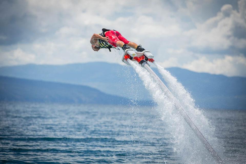 Flyboard mieten - Flug übers Meer