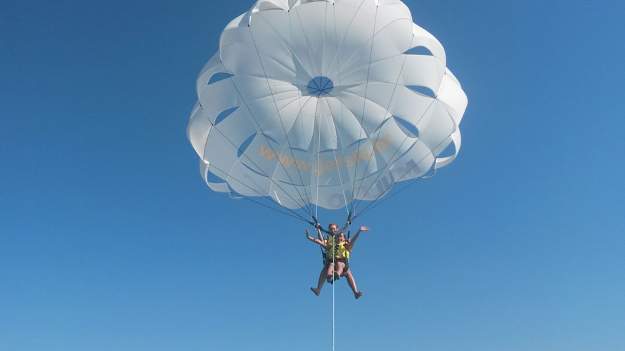Rent, Water sports parasail